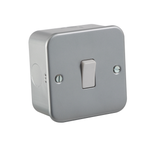 Metal Clad 10A 1G 2 Way Switch - M2000 - Knighsbridge