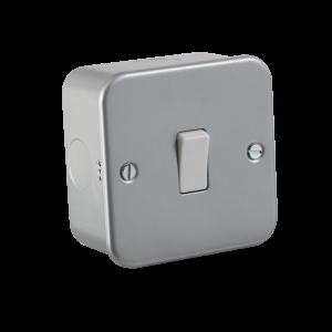 Metal Clad 10A 1G 2 Way Switch - M2000 - Knighsbridge